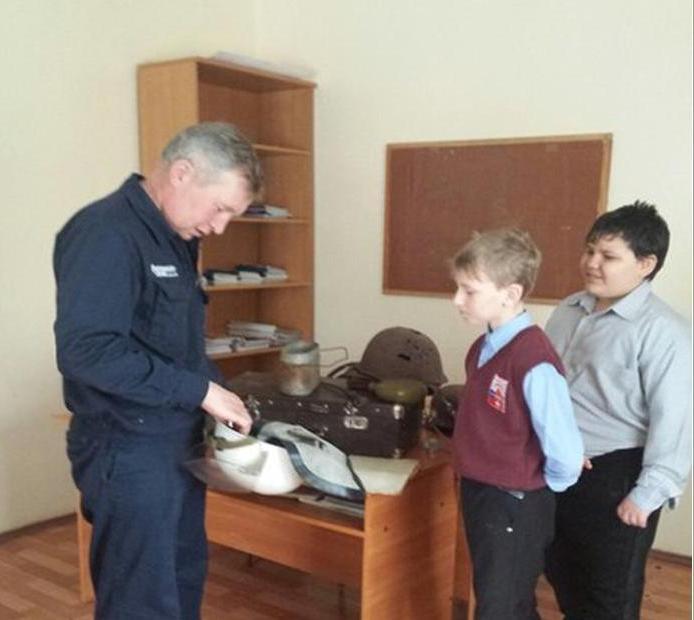 Фото детей с экскурсии пожарной части 78